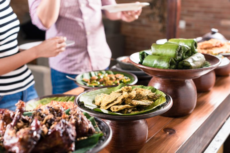 https: img.okeinfo.net content 2019 10 20 298 2119260 5-kuliner-tradisional-indonesia-ini-nyaris-punah-pernah-mencoba-KKmx401uYB.jpg