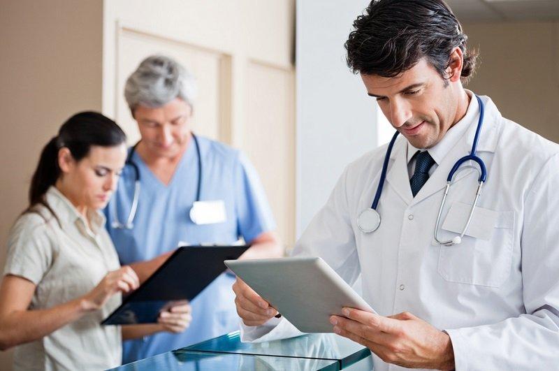 https: img.okeinfo.net content 2019 10 21 481 2119882 inovasi-dokter-untuk-sehatkan-masyarakat-di-era-4-0-cVAH66I7SF.jpg