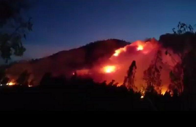 https: img.okeinfo.net content 2019 10 21 519 2119519 kebakaran-lahan-gunung-ranti-akses-ke-kawah-ijen-banyuwangi-ditutup-total-CMQX7dyAC8.jpg