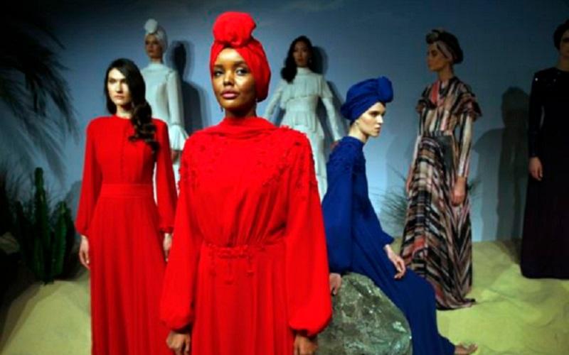 https: img.okeinfo.net content 2019 10 21 617 2119652 intip-maraknya-fashion-muslim-di-amerika-JuIePcT8Nj.jpg