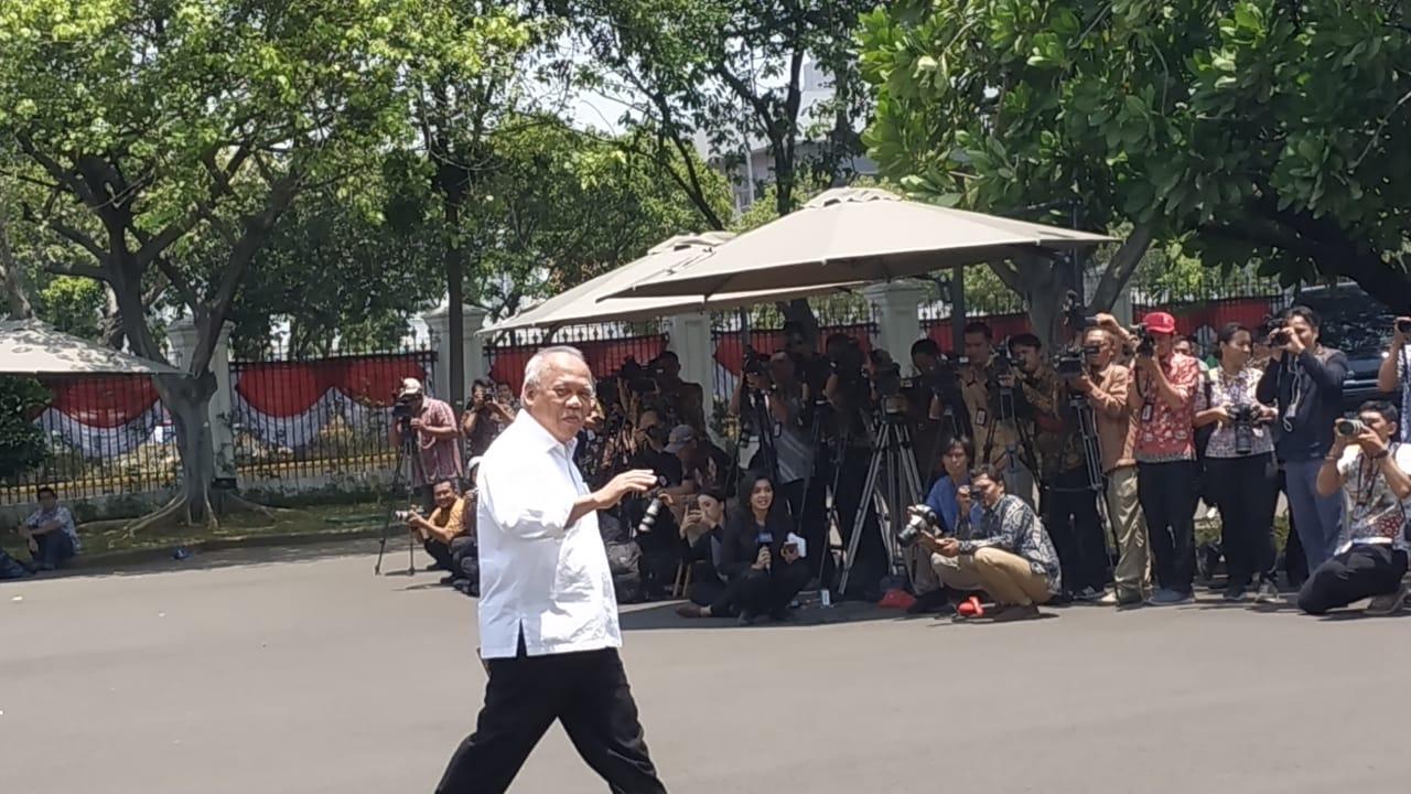 https: img.okeinfo.net content 2019 10 22 337 2120073 suharso-monoarfa-basuki-hadimuljono-dipanggil-jokowi-ke-istana-FWM0JKmFaH.jpg