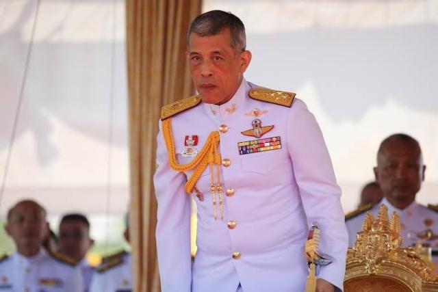 https: img.okeinfo.net content 2019 10 23 18 2120956 raja-thailand-pecat-6-pejabat-istana-karena-perilaku-sangat-jahat-2Lg4gBuOL5.jpg