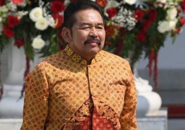 https: img.okeinfo.net content 2019 10 23 337 2120554 st-burhanuddin-mantan-jamdatun-yang-dipercaya-jokowi-pimpin-korps-adhyaksa-hWZeCZWPTX.JPG
