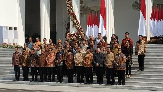 https: img.okeinfo.net content 2019 10 23 337 2120566 daftar-menteri-lama-dan-baru-di-kabinet-indonesia-maju-K5xiu0xRRq.jpg
