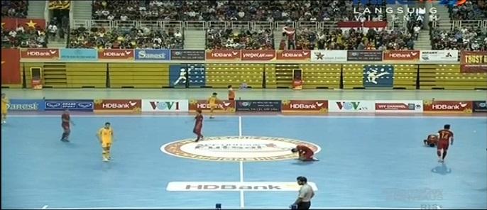 https: img.okeinfo.net content 2019 10 23 51 2120845 hujan-gol-timnas-futsal-indonesia-bungkam-australia-8-3-Ldtn2QqqkU.jpg