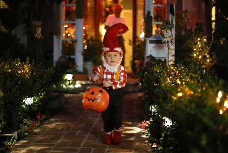 https: img.okeinfo.net content 2019 10 25 18 2121923 halloween-perayaan-pagan-celtic-yang-jadi-tradisi-pesta-amerika-N4ABRp8xEC.jpg