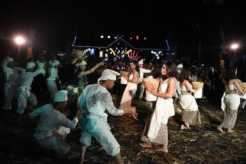 https: img.okeinfo.net content 2019 10 25 406 2121696 jurus-jitu-purwakarta-gaet-wisatawan-mancanegara-fHSY4IxBav.jpg