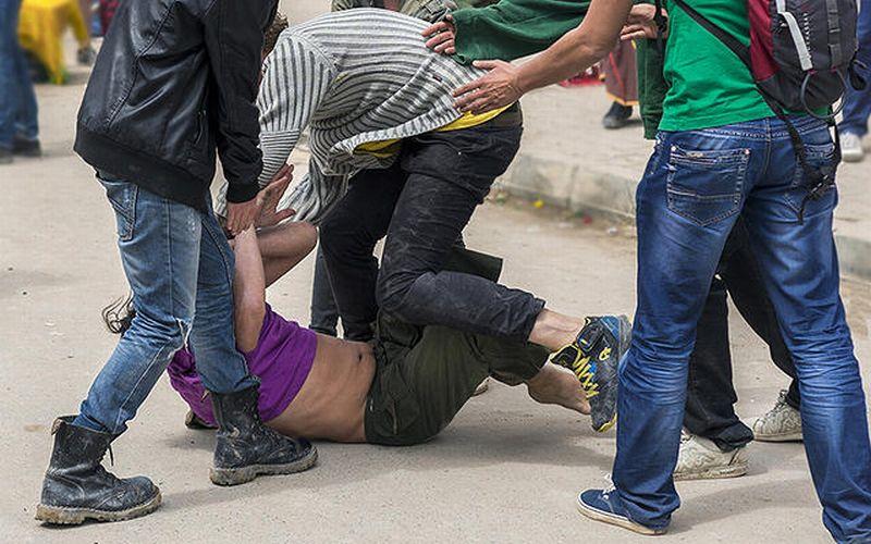 https: img.okeinfo.net content 2019 10 26 338 2122060 polisi-tetapkan-3-tersangka-bentrokan-anggota-ormas-di-tanah-abang-semuanya-ditahan-Pn7hmoursw.jpg