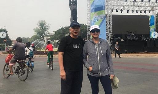 https: img.okeinfo.net content 2019 10 27 20 2122355 intip-penyamaran-sri-mulyani-saat-car-free-day-SlxODEErOx.jpg