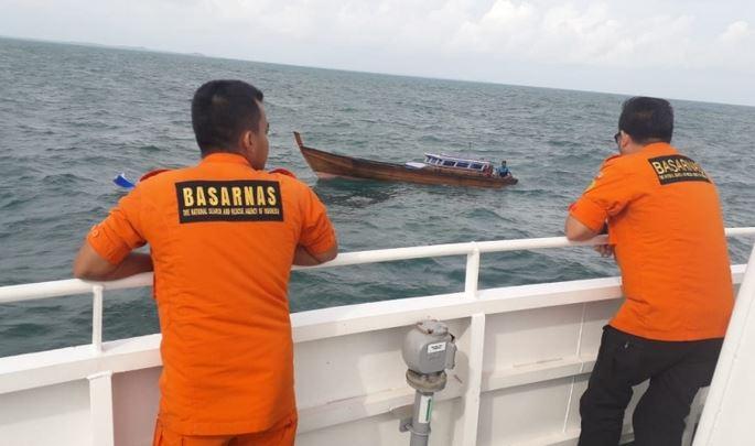 https: img.okeinfo.net content 2019 10 28 525 2122481 nelayan-garut-tewas-usai-perahu-terbalik-di-tengah-laut-esKDvDaDr1.JPG