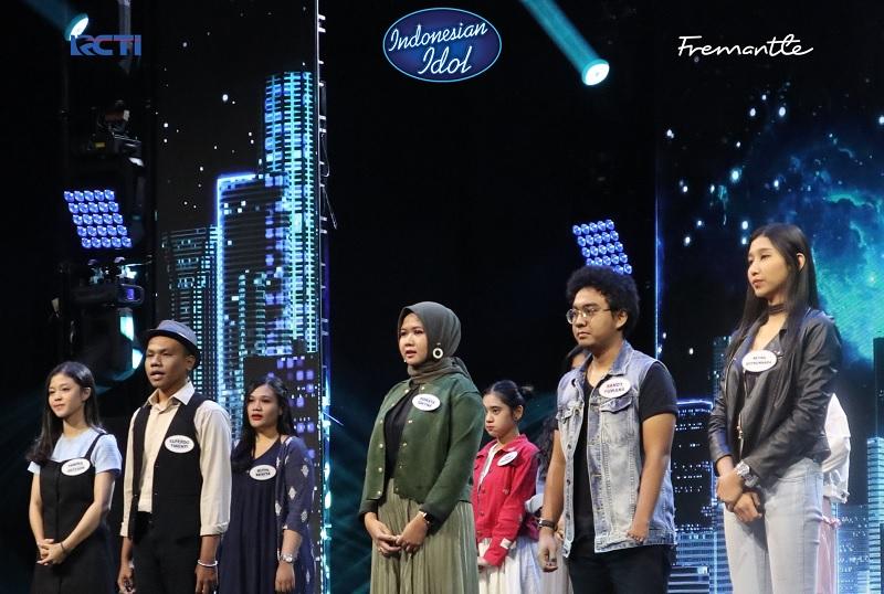 https: img.okeinfo.net content 2019 10 28 598 2122884 bersuara-khas-ziva-magnolya-ainun-irsani-lolos-babak-eliminasi-indonesian-idol-2d7kQDGYo2.jpg