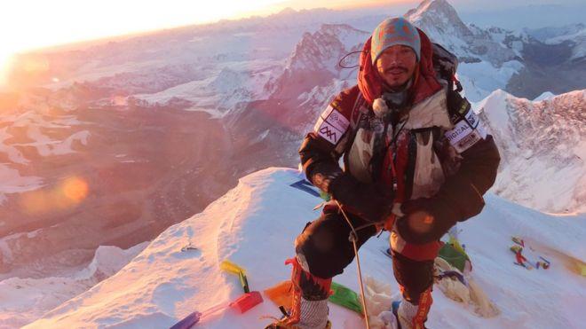 https: img.okeinfo.net content 2019 10 30 18 2123710 eks-pasukan-khusus-inggris-catat-rekor-daki-14-gunung-tertinggi-dalam-7-bulan-eLN65eV2PL.jpg