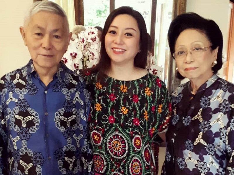 https: img.okeinfo.net content 2019 10 30 612 2123736 alex-tilaar-meninggal-dunia-di-usia-87-tahun-sosok-pendidik-kebanggaan-indonesia-0JiJ5800c1.jpg