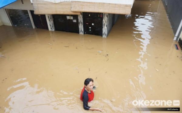https: img.okeinfo.net content 2019 10 31 338 2124267 bnpb-jakarta-lebih-siap-hadapi-banjir-uangnya-banyak-wWXQ8fILic.jpg