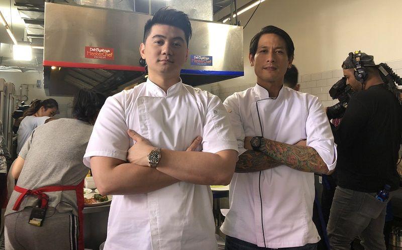 https: img.okeinfo.net content 2019 10 31 612 2124013 chef-arnold-posting-foto-chef-juna-senyum-netizen-kiyut-banget-Uk3AG0Nnns.jpg
