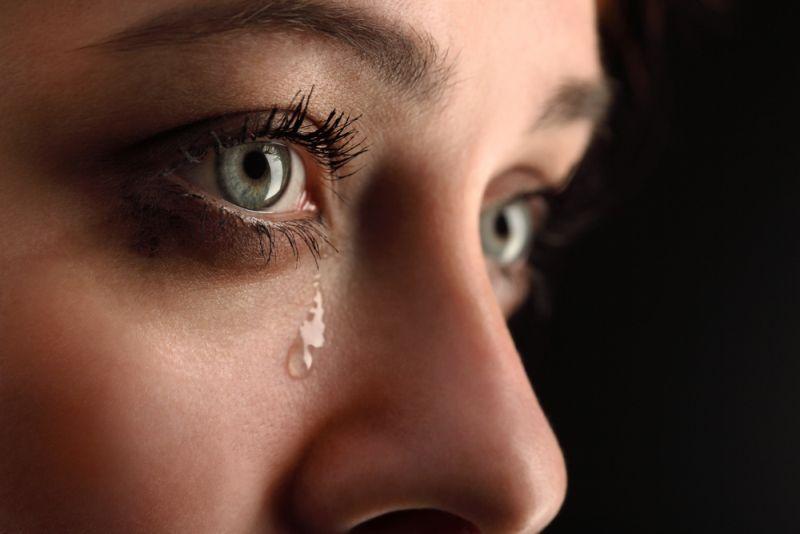 https: img.okeinfo.net content 2019 11 01 612 2124580 perempuan-sering-nangis-tanpa-sebab-ternyata-ini-penyebabnya-4T1GpHvrWP.jpg