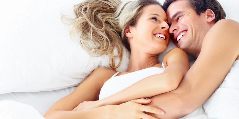 https: img.okeinfo.net content 2019 11 02 196 2125062 peluk-pasangan-bisa-membuatnya-lebih-bahagia-daripada-hubungan-seks-mko4hf8H7k.jpg
