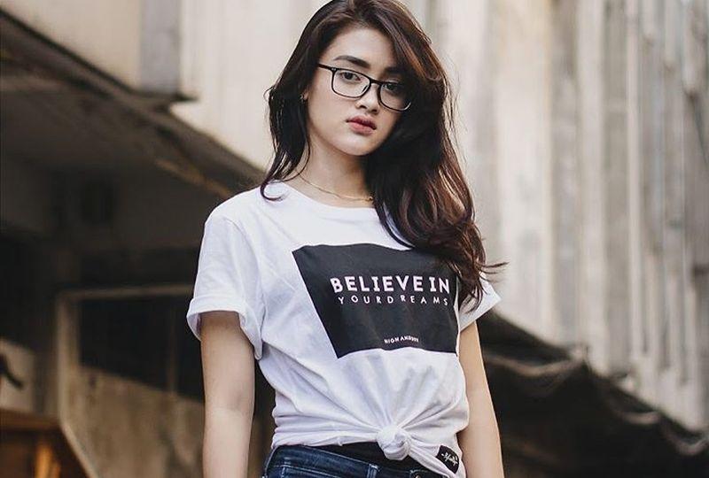 https: img.okeinfo.net content 2019 11 04 194 2125737 deretan-peserta-indonesian-idol-imut-siapa-jagoanmu-OX6j3KhXQK.jpg
