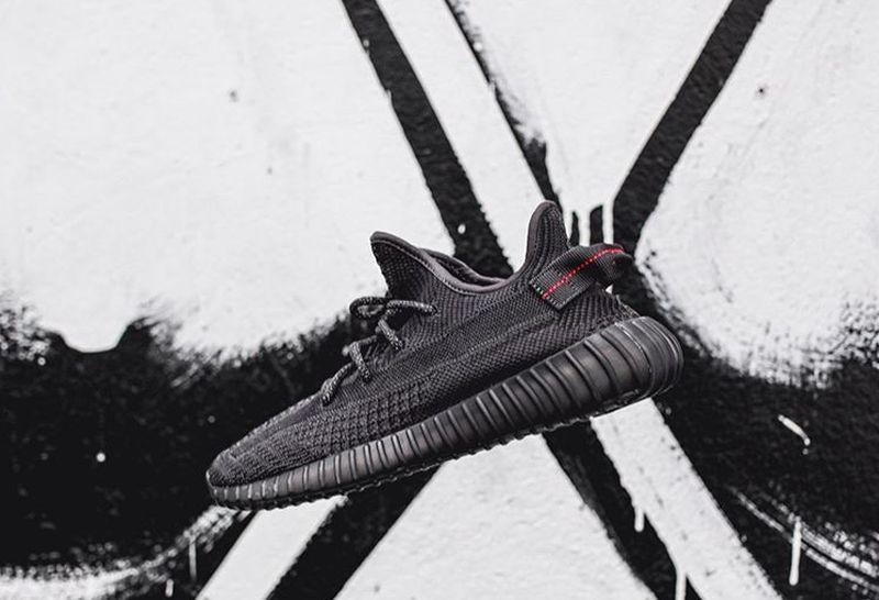 https: img.okeinfo.net content 2019 11 08 194 2127623 urban-sneakers-society-2019-sepatu-limited-rp4-jutaan-masih-jadi-buruan-NMjghhuVtD.jpg