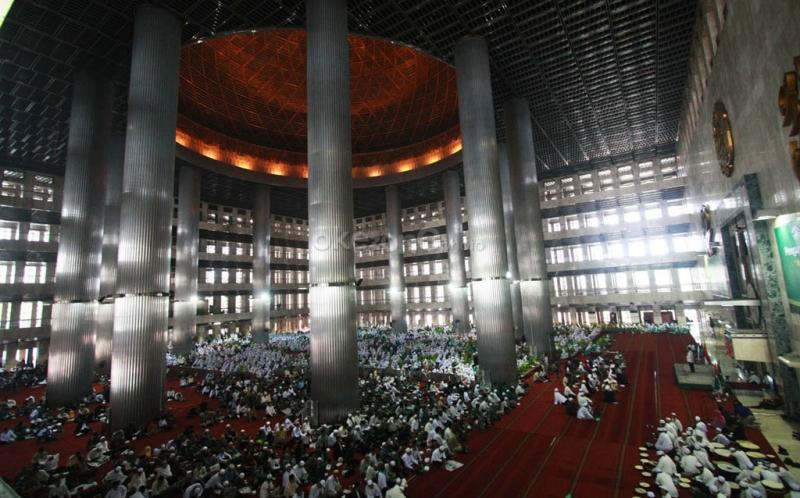 https: img.okeinfo.net content 2019 11 09 337 2127666 tradisi-perayaan-maulid-nabi-tiap-daerah-di-indonesia-mana-yang-lebih-unik-V8ayZs4r2k.jpg