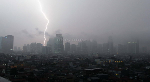 https: img.okeinfo.net content 2019 11 12 337 2128652 ini-daerah-yang-berpotensi-diguyur-hujan-lebat-sepekan-ke-depan-kwfFMJxViU.jpg