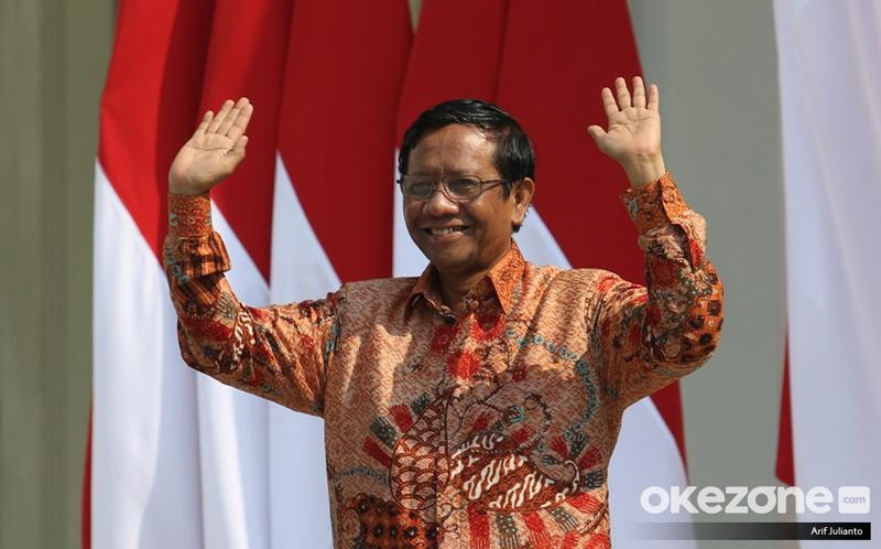 https: img.okeinfo.net content 2019 11 12 337 2128799 mahfud-md-tidak-ada-bukti-pemerintah-indonesia-mencekal-habib-rizieq-U8UiDv5ZZ2.jpg