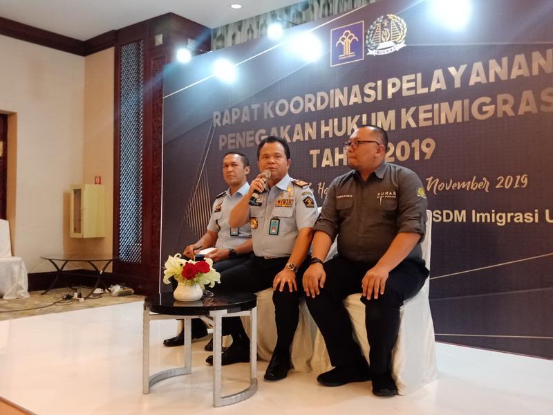 https: img.okeinfo.net content 2019 11 12 337 2128973 dirjen-imigrasi-pastikan-tidak-cekal-habib-rizieq-shihab-kembali-ke-indonesia-6anGfT0V2m.jpg
