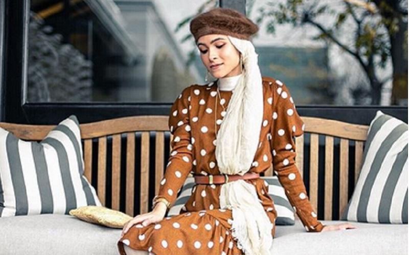 https: img.okeinfo.net content 2019 11 12 617 2128739 4-gaya-hijab-polkadot-yang-bikin-kamu-makin-manis-erSqRKxXWo.jpg