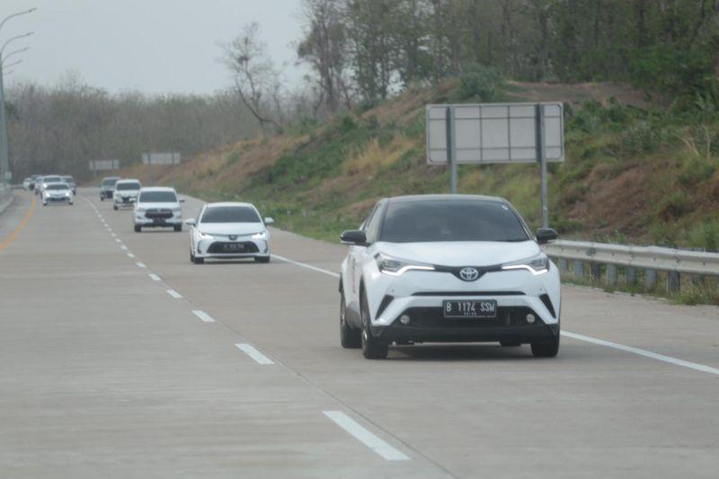 https: img.okeinfo.net content 2019 11 15 52 2130122 gali-kemungkinan-model-kendaraan-baru-rombongan-prinsipal-toyota-jelajah-lintas-jawa-sW3xSg1jgi.jpg