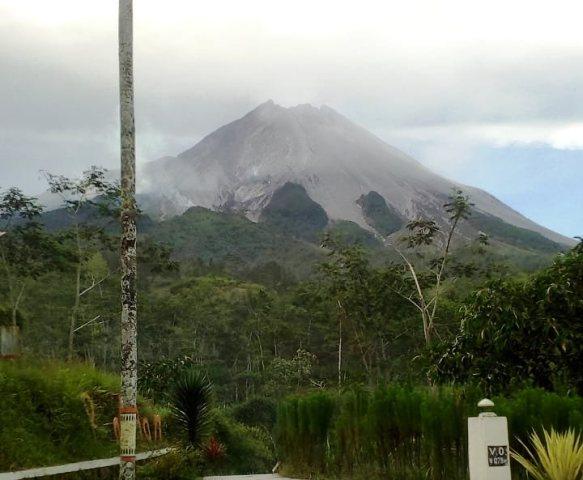 https: img.okeinfo.net content 2019 11 18 510 2131062 kronologi-letusan-gunung-merapi-menurut-bpptkg-tZ2wPA8AWa.jpg