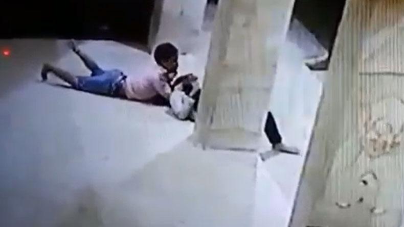 https: img.okeinfo.net content 2019 11 18 519 2131110 sepasang-remaja-bermesum-di-masjid-aksinya-terekam-cctv-avEYuLUI45.jpg