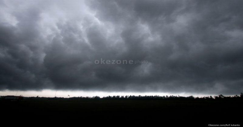 https: img.okeinfo.net content 2019 11 20 338 2132026 beberapa-wilayah-di-jakarta-diperkirakan-akan-hujan-lokal-di-siang-hari-I0dAMPh6JT.jpg