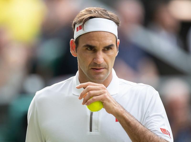 https: img.okeinfo.net content 2019 11 20 40 2132355 roger-federer-jadi-inspirasi-tsitsipas-dalam-berkarier-di-dunia-tenis-aYEpzXWSIV.jpg