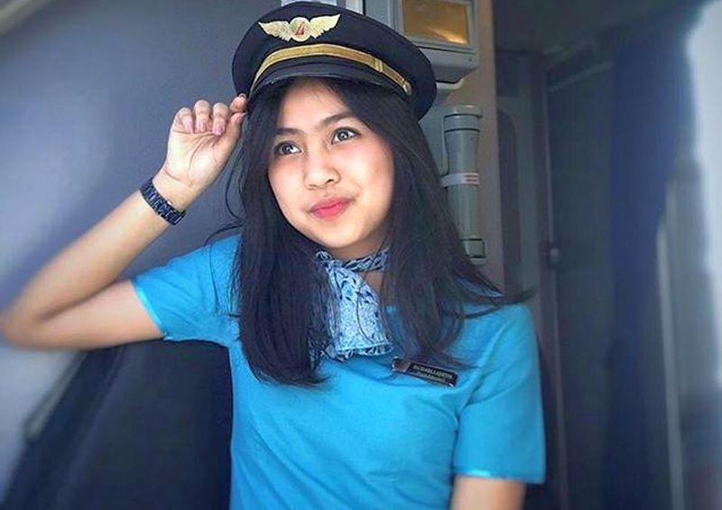 https: img.okeinfo.net content 2019 11 21 194 2132561 imutnya-salshabilla-pramugari-cantik-asal-indonesia-Dsb5KlZT4j.jpg