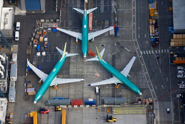 https: img.okeinfo.net content 2019 11 21 320 2132727 selain-beli-pesawat-airbus-emirates-juga-borong-30-boeing-787-9-dreamliner-Ik7WiLpyEe.jpg