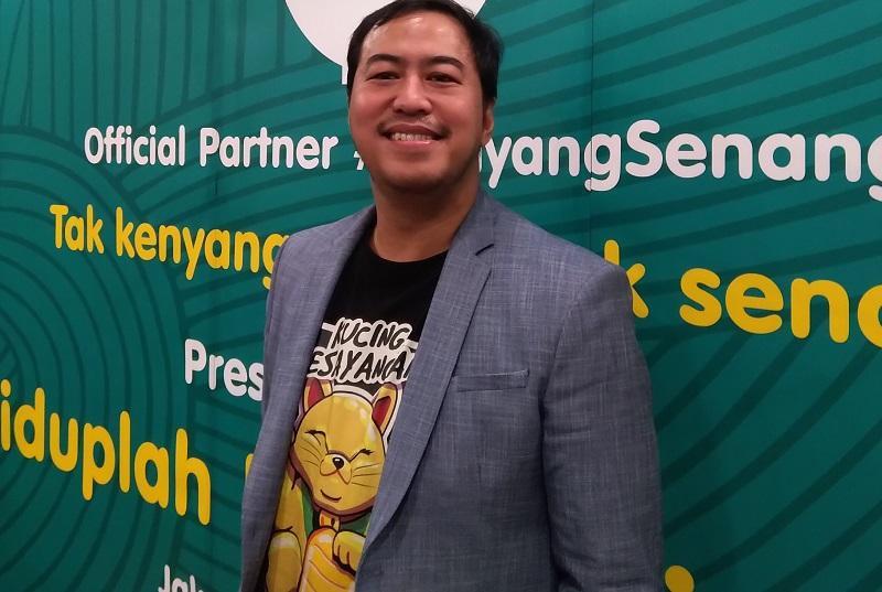 https: img.okeinfo.net content 2019 11 21 33 2132903 pandji-pragiwaksono-janjikan-topik-politik-dalam-hiduplah-indonesia-maya-sqySu4nXnn.jpg