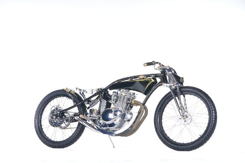 https: img.okeinfo.net content 2019 11 25 312 2134335 modifikasi-suzuki-thunder-gaya-board-tracker-didapuk-the-greatest-bike-2019-UmIZAdCC8B.jpg