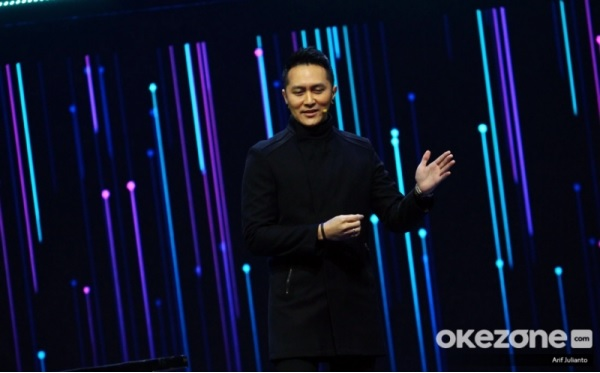 https: img.okeinfo.net content 2019 11 28 598 2135712 demian-aditya-prediksi-pemenang-the-voice-indonesia-2019-HS79ehbR2l.jpg