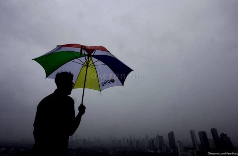 https: img.okeinfo.net content 2019 11 29 338 2136153 bmkg-puncak-musim-hujan-di-jakarta-terjadi-februari-2020-HJbjfGfZNB.jpg