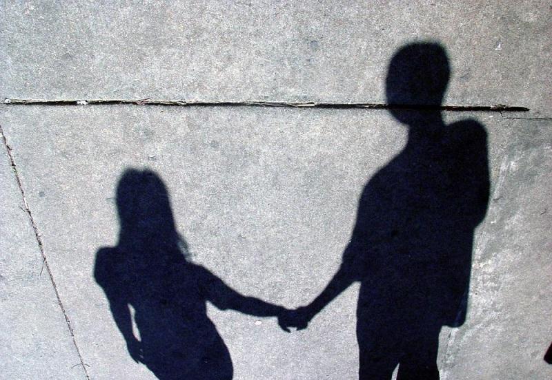 https: img.okeinfo.net content 2019 11 30 196 2136425 7-tips-sukses-jalani-ldr-hingga-ke-jenjang-pernikahan-uT5kAAbNOK.jpg
