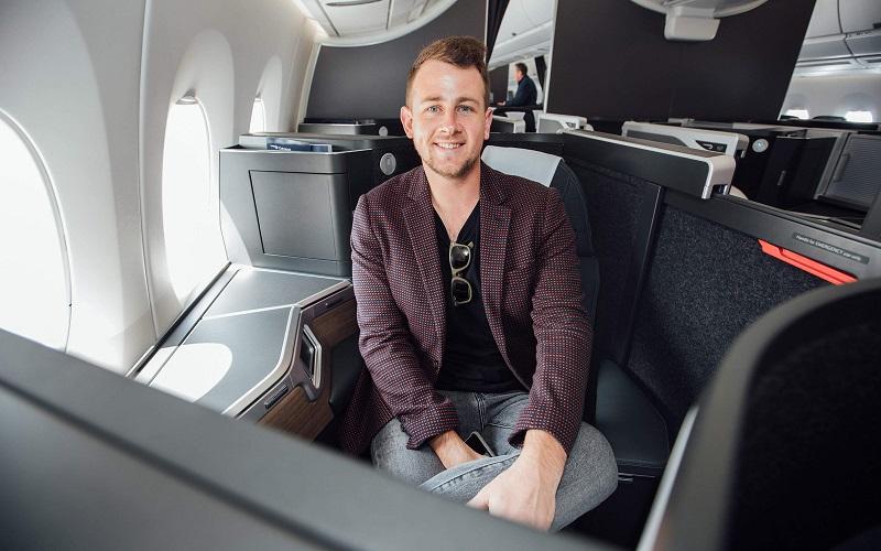 https: img.okeinfo.net content 2019 11 30 406 2136320 beri-tantangan-blogger-ini-rela-tukar-tiket-pesawat-ekonomi-jadi-first-class-bagi-pemenang-fNIA6IjUTr.jpg
