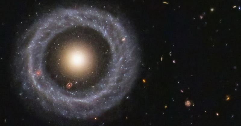 https: img.okeinfo.net content 2019 11 30 56 2136482 teleskop-luar-angkasa-hubble-tangkap-objek-galaksi-cincin-udAQEgi88L.jpg