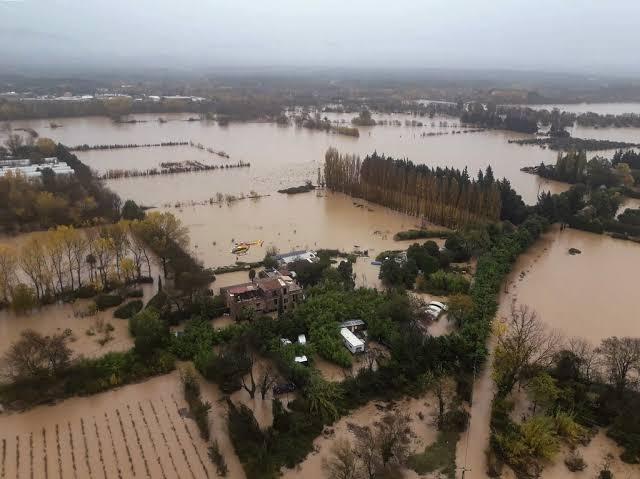 https: img.okeinfo.net content 2019 12 02 18 2137044 helikopter-jatuh-3-petugas-prancis-tewas-saat-misi-penyelamatan-banjir-5kEt1uBdKx.jpg