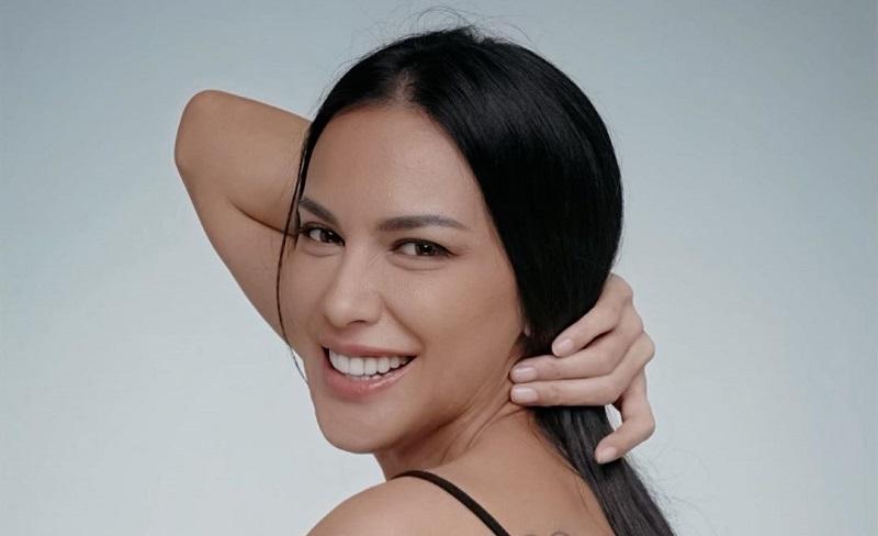 https: img.okeinfo.net content 2019 12 02 194 2136856 intip-seksinya-sophia-latjuba-pakai-lingerie-sukses-bikin-kaum-hawa-iri-55KAo9HqQ8.jpg