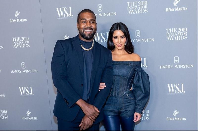 https: img.okeinfo.net content 2019 12 02 196 2137075 sering-berdebat-dengan-suami-begini-cara-kim-kardashian-cairkan-suasana-Q6rdCTJXJs.jpg