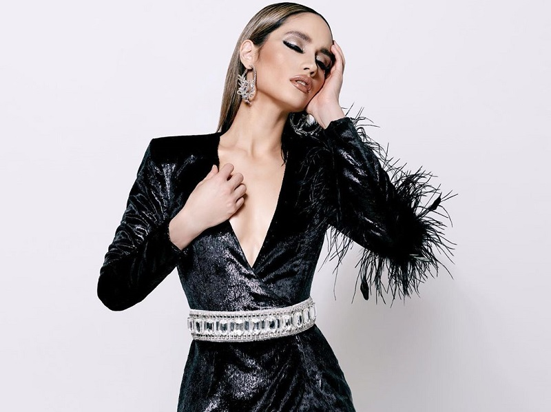 https: img.okeinfo.net content 2019 12 03 194 2137630 cinta-laura-seksi-elegan-memakai-baju-couture-dengan-sentuhan-edgy-style-6394FKnQ9z.jpg