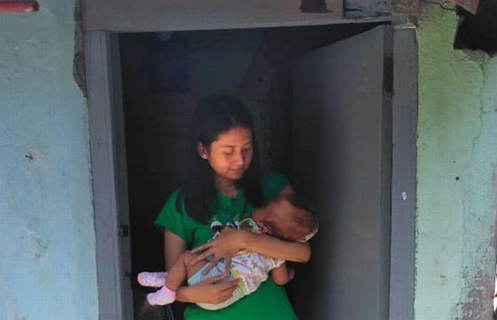 https: img.okeinfo.net content 2019 12 03 519 2137206 lahirkan-anak-disabilitas-mama-muda-di-surabaya-diceraikan-suami-FVdc2grwyV.jpg