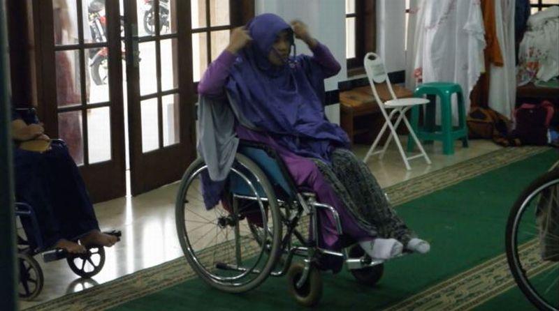 https: img.okeinfo.net content 2019 12 03 614 2137434 subhanallah-masjid-el-syifa-sangat-ramah-untuk-disabilitas-TMJPVuiSCD.jpg