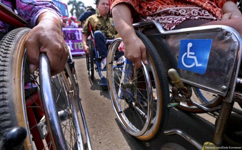 https: img.okeinfo.net content 2019 12 04 337 2137955 pertuni-berharap-adanya-sop-pelayanan-disabilitas-yang-diterapkan-petugas-pelayanan-publik-qasEPJ3RDk.jpg