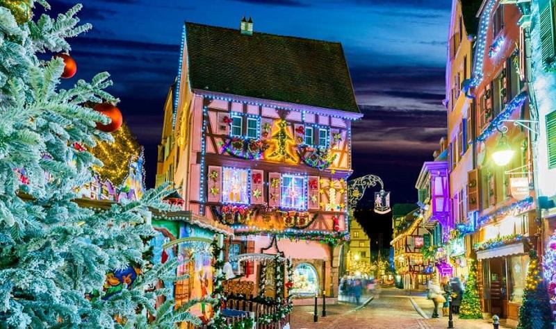 https: img.okeinfo.net content 2019 12 04 470 2137875 12-kota-ini-jadikan-festival-natal-sebagai-devisa-negara-pLcLLQJYly.jpg